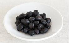 黒豆の蒸し煮 そのまま食べても止まらないおいしさ。黒豆の蒸し煮。